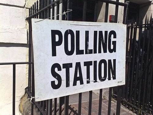 Polling station - Wikimedia Commons
