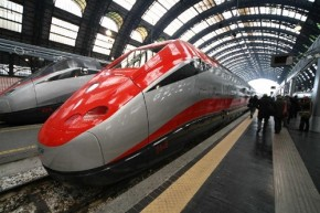 High speed train in Italy - Wikimedia Commons (500x333)