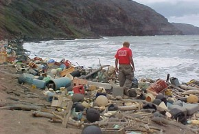 Marine_debris_on_Hawaiian_coast - NOAA Wikipedia