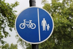 Andreas Kambanis - Classic Cyclist and Pedestrian Sign in London - Flickr