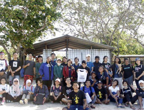 Earth Hour Bali Gelar Aksi Bersih Pantai